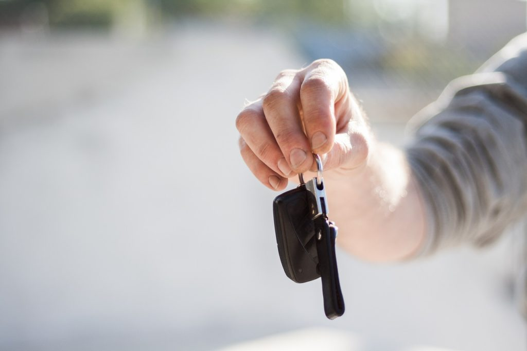 how to get keys out of locked car